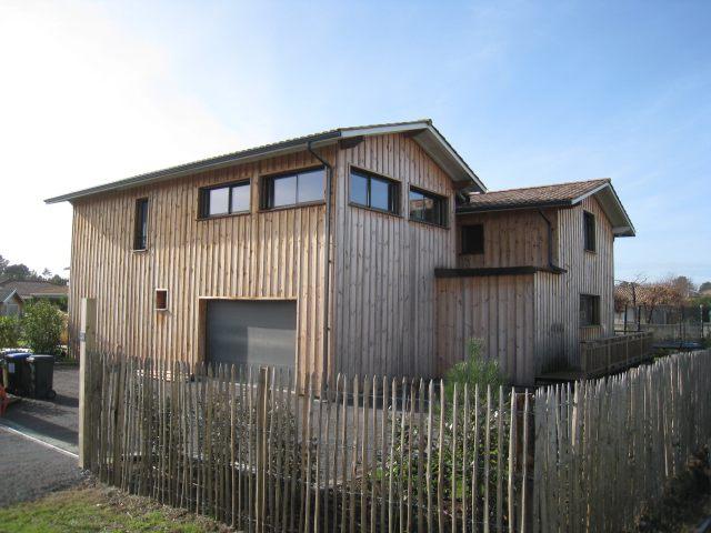 Exemple de maison contemporaine typique en vente sur la commune de lege cap f - Maison bois cap ferret ...
